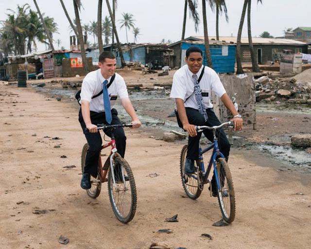 Resultado de imagen de misioneros mormones