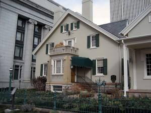 mormon-lion-house