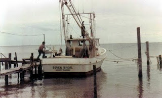 A picture of a typical fishing boat on Harkers Island.
