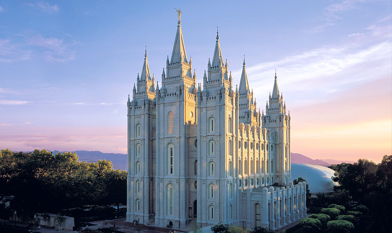 A picture of the Mormon temple in Salt Lake City, Utah.